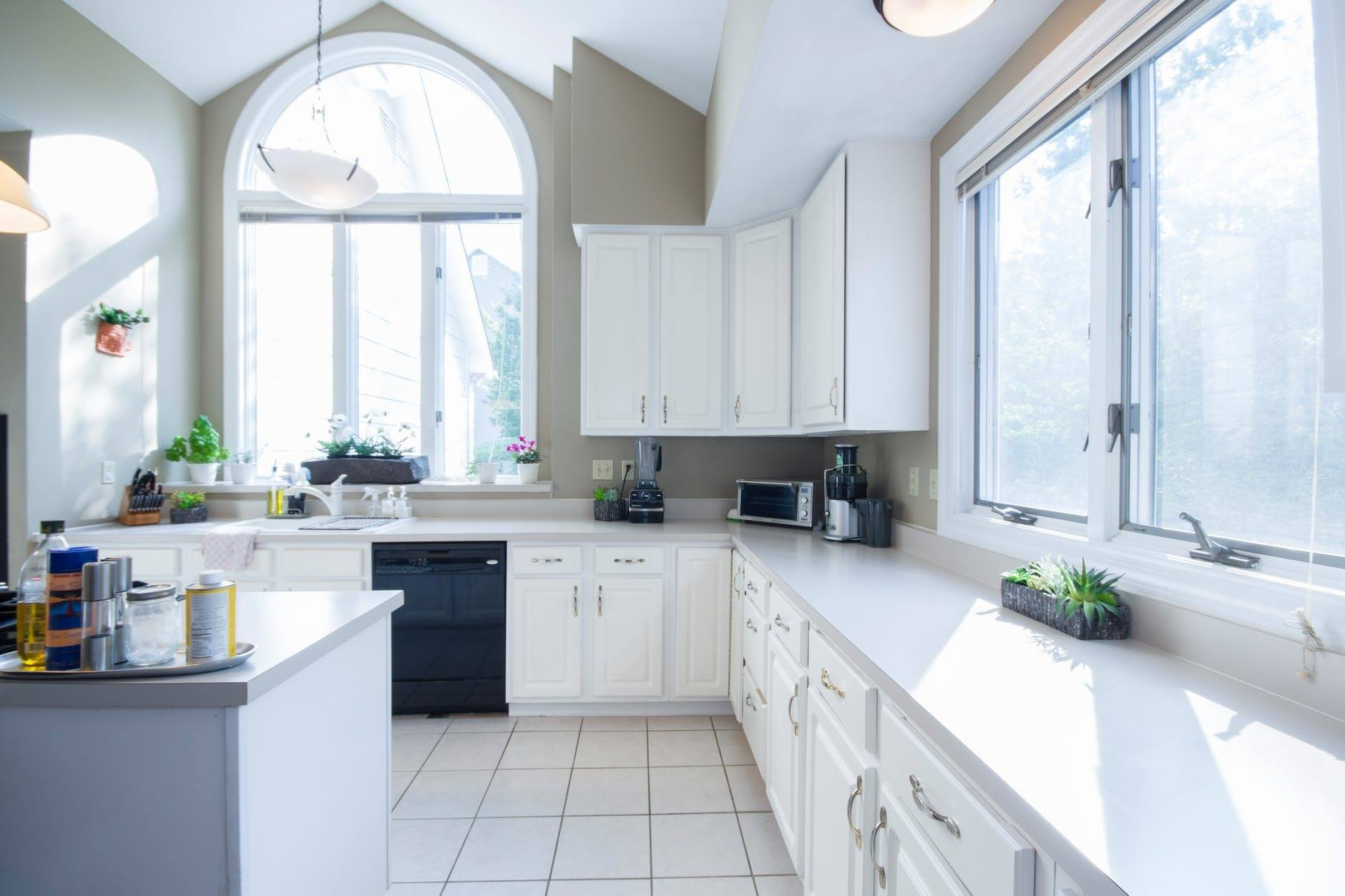 How To Decide On Your Kitchen Countertop Material ...